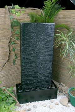 Mur d eau jardin aquasculptures for Fontaine a eau interieur